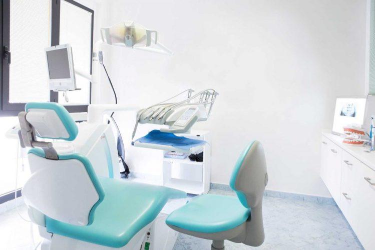 Trattamento dell'acqua in uno studio dentistico